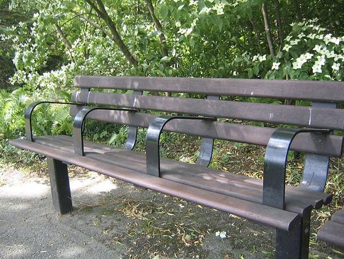 anti-homeless-park-bench